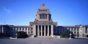 安倍総理が全国に緊急事態宣言を発令、13都道府県は「特定警戒都道府県」に